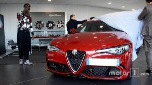 L'Alfa Romeo Giulia Quadrifoglio conquista Mario Balotelli