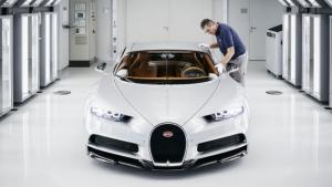 """Bugatti Chiron, un viaggio fotografico nella """"fabbrica dei sogni"""""""