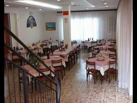 Il video Star Vacanze Economiche : Vacanze al mare Albergo Rinaldini ** Viserbella di Rimini: pensione economica