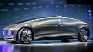Auto senza conducente, per Mercedes sarà neutrale
