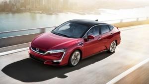 Honda Clarity Fuel Cell, quasi 600 km con un pieno di idrogeno