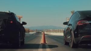 Faraday Future sfida Tesla, Bentley e Ferrari [VIDEO]