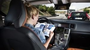 Guida autonoma, gli italiani ci credono