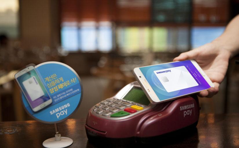 Samsung Pay festeggia i 5 anni annunciando l'arrivo di una carta di debito fisica (aggiornato: maggiori dettagli)